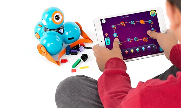 11 Best Toys To Teach Kids Coding And Engineering Uncubed